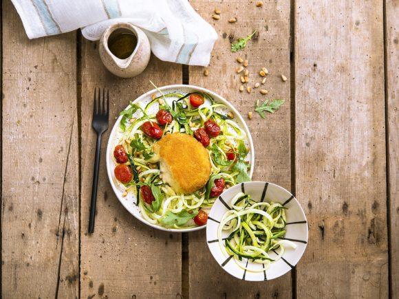 Salade méditerranéenne au Saint Marcellin pané