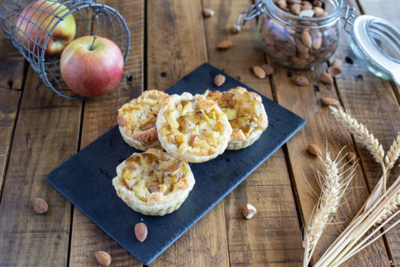 Almond tart with apples