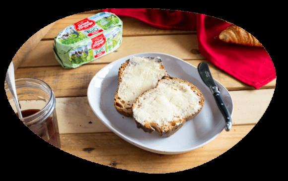 bulle-ambiance-petit-dejeuner-tartine-de-beurre-bio-grand-fermage