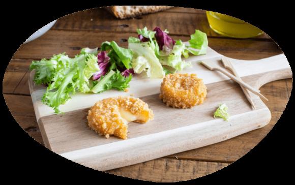 bulle-ambiance-planche-apéro-repas-salade-panés-au-camembert-grand-fermage-sans-pack