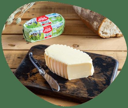 bulle-beurre-moulé-bio-grand-fermage-avec-pain