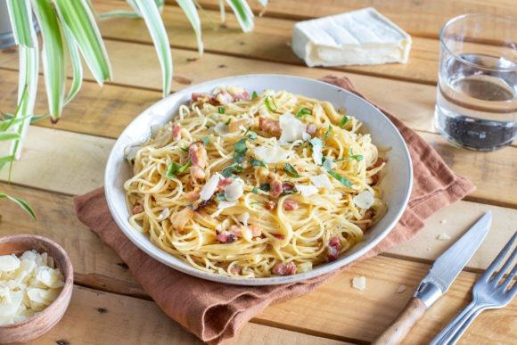 Spaghettis aux lardons et au fromage Crémeux du Poitou