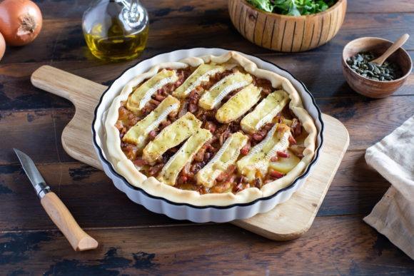 Pie with potatoes, bacon lardons and Crémeux du Poitou cheese